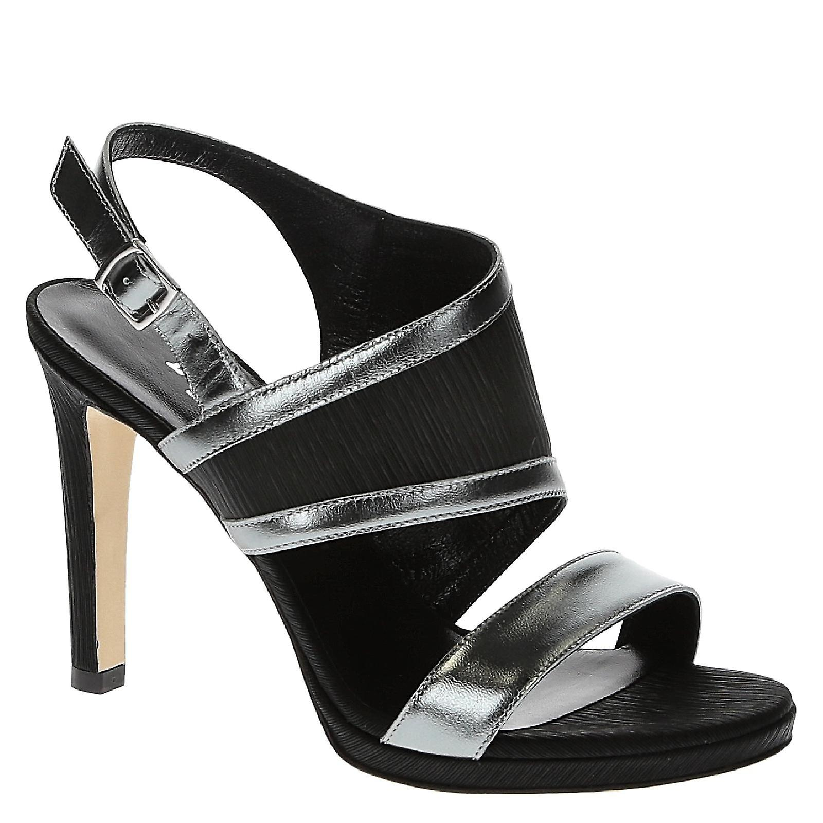 Handmade evening chaussures in noir satin and metallic leather