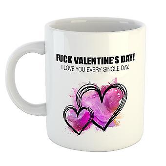 Fuck blanc coupe Valentin, imprimé, en céramique, dans un emballage cadeau.