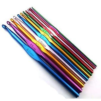 12 Pieces of Aluminium Multi-Coloured Crochet Hooks with Case (2mm-8mm Needle Set) - for Knitting