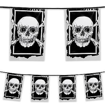 6 Metre Plastic Bunting Pirates Skull & Crossbone