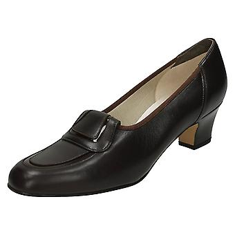 Ladies Nil Simile Narrow Fitting Court Shoe Buoyant