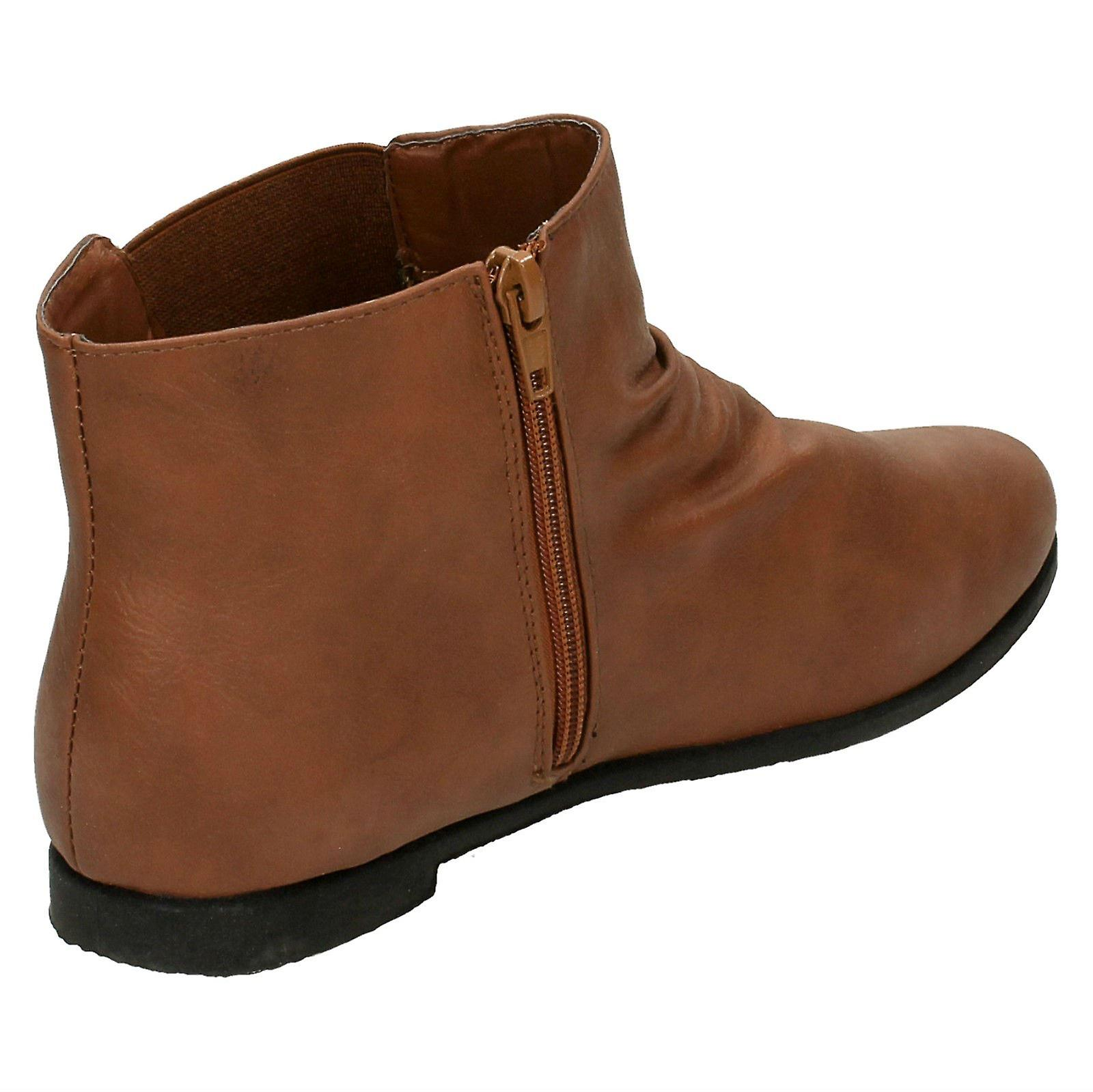 Ladies Spot On Flat Casual Ankle Boot
