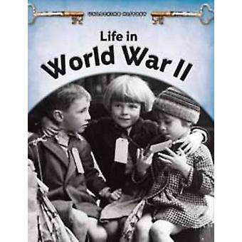 Livet i andre VERDENSKRIG av Brian Williams - 9780431193625 bok