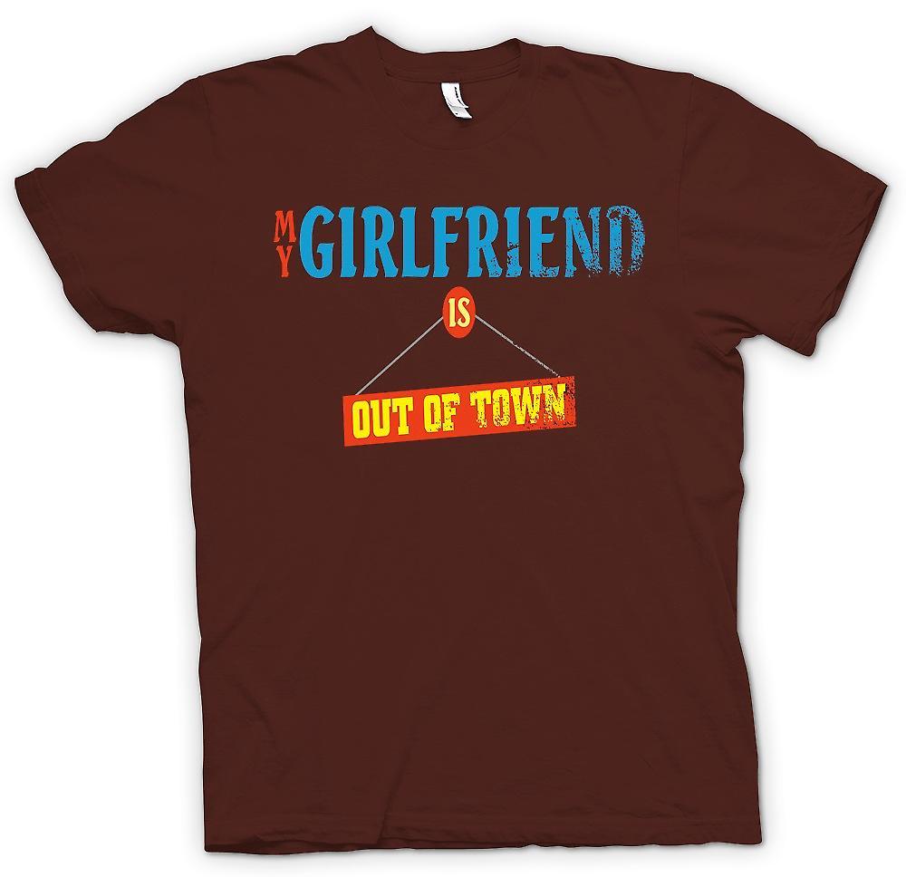 Mens t-shirt-la mia ragazza è fuori città - scherzo