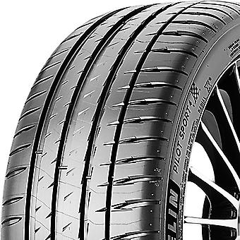 Summer tyres Michelin Pilot Sport 4 ( 235/45 ZR18 98Y XL Acoustic, T0 )