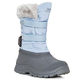 Intrusion filles Stroma II hiver neige bottes