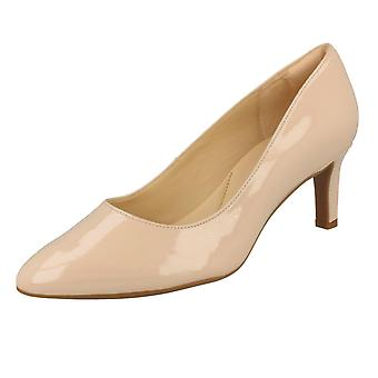Ladies Clarks Textured Court Shoes Calla Rose - Cream Patent - UK Size 4.5E - EU Size 37.5 - US Size 7W