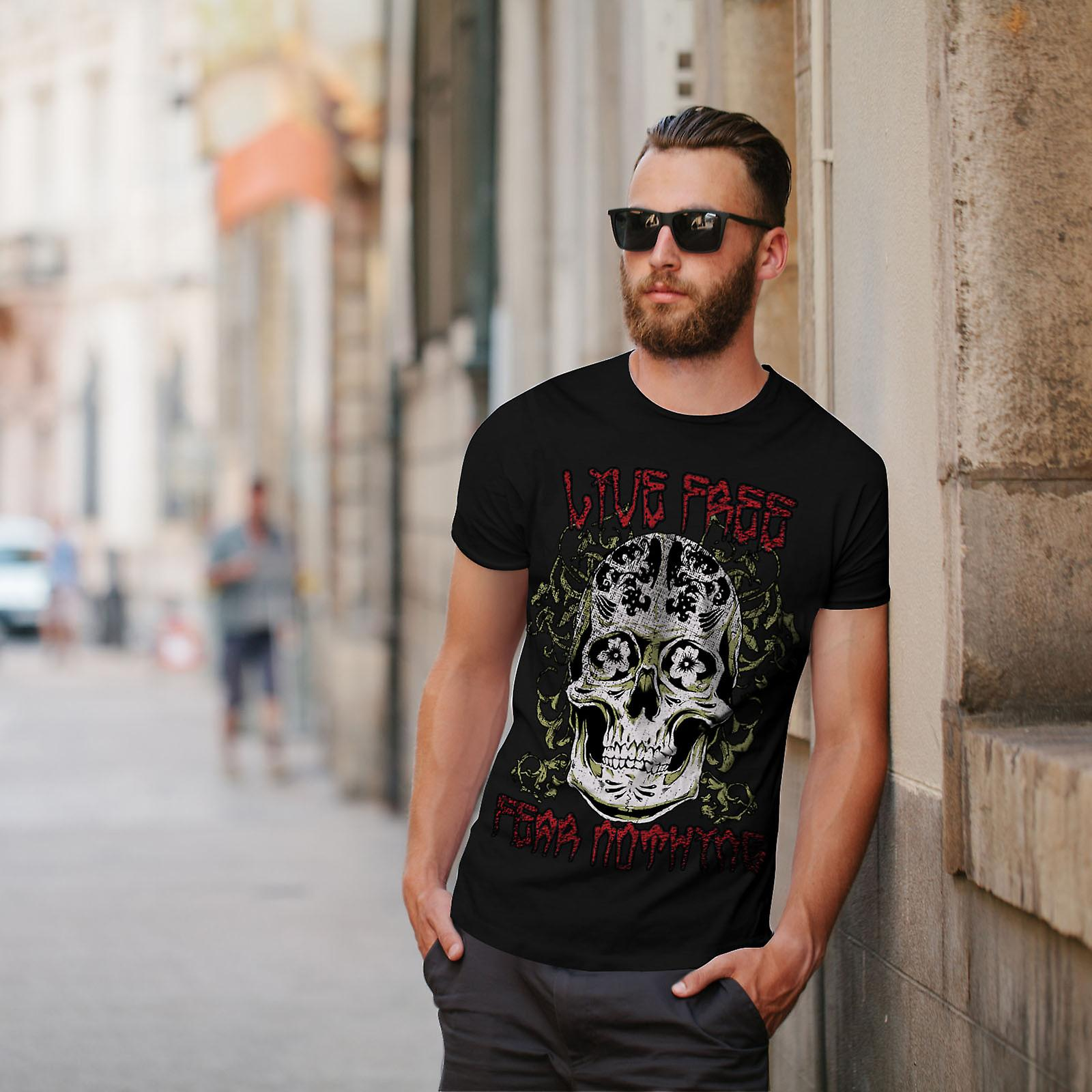 Live Fear Nothing Skull Men BlackT-shirt | Wellcoda