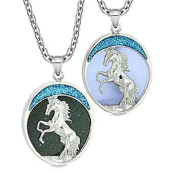 Mot hest ville Mustang kjærlighet par eller beste venner Goldstone simulert blå katter øye halskjeder