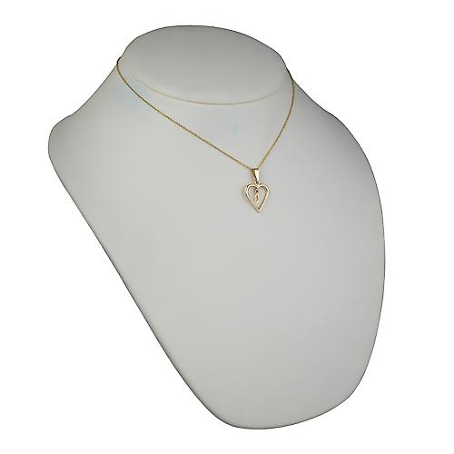 9ct Gold 18x18mm initial Q in a heart Pendant with a cable Chain 16 inches Only Suitable for Children