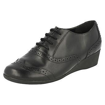 Clarks Girls Smart Shoes Lottie Eve