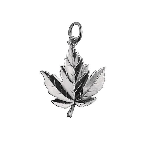 22x19mm solid Maple Leaf charm in argento