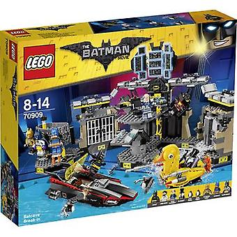 The LEGO® BATMAN MOVIE 70909 Batcave Break-in