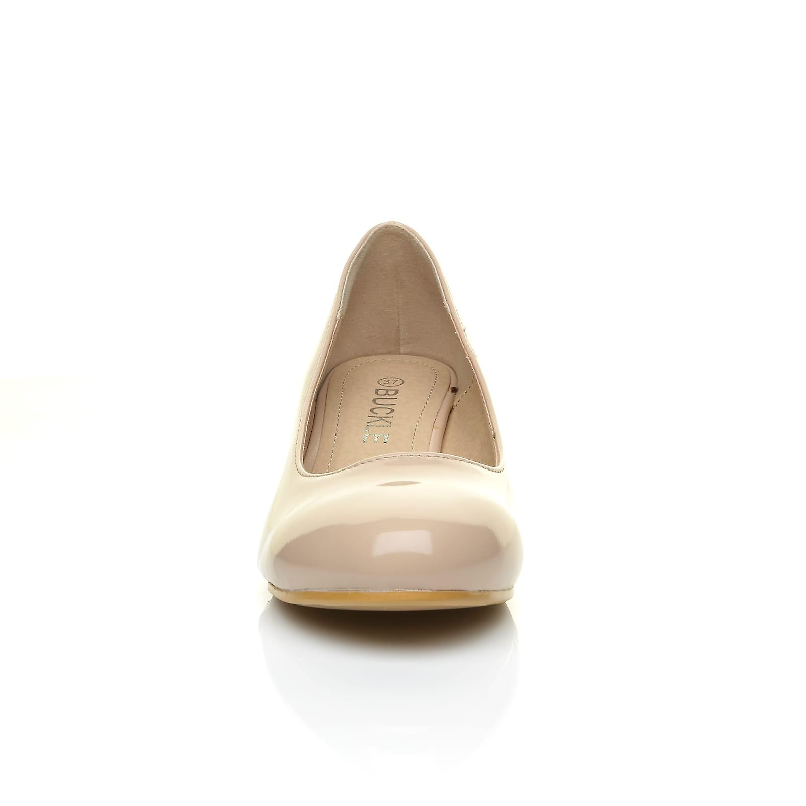 CHARM Nude Patent PU Leather Leather Leather Low Heel Round Toe Comfort Court Shoes d74f78