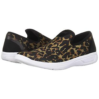 Kenneth Cole Reaction Womens Ready Fabric Low Top Slip On Fashion Sneakers