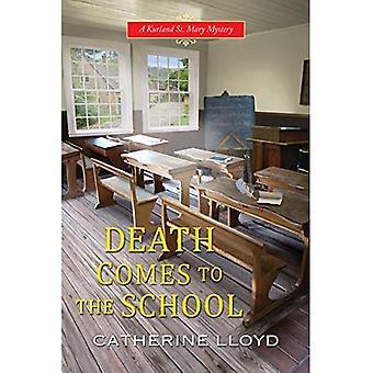 A morte vem para a escola (um mistério de St. Mary ' Kurland)