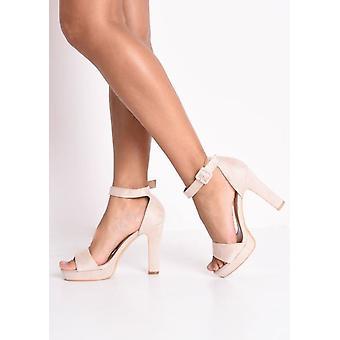 Apenas hay plataforma de gamuza zapatos de tacón Beige