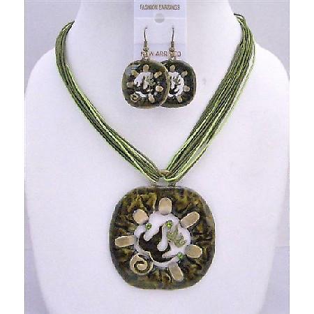 Vintage Green Enamel Round Pendant Jewelry Set