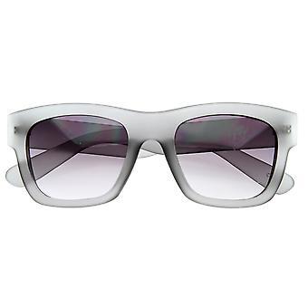 Модельер вдохновил Hispter мягкая отделка смелые рога оправе солнцезащитных очков