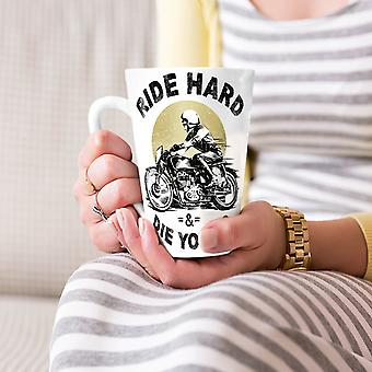 ハード死ぬ若いバイカー ホワイト ティー コーヒー セラミック カフェラテ マグカップに乗る 17 oz |Wellcoda