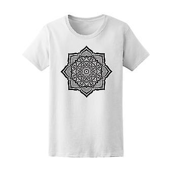 Mandala dekorative Blume T-Shirt Frauen-Bild von Shutterstock