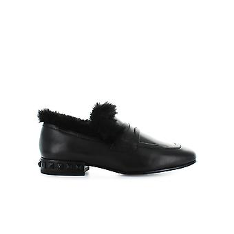 ASH BLACK FUR EVER MOCCASIN