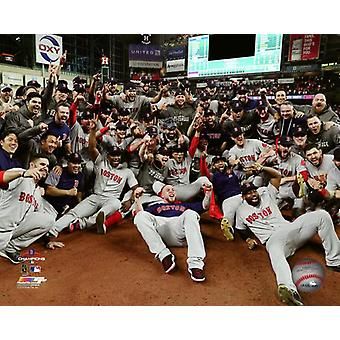 O Boston Red Sox comemorar ganhando 5 jogo do 2018 American League Championship Series Photo Print