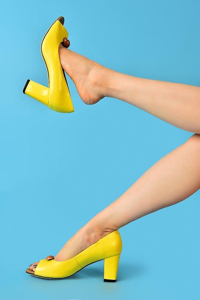 Westbourne lemon shoes