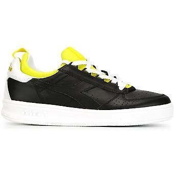 B. Elite Socks Sneakers