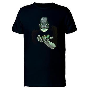 Metamorfose frosk mann Tee menn-bilde av Shutterstock