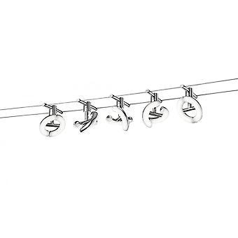 アヴィニョンの近代的な金属製のスポット照明トリオ