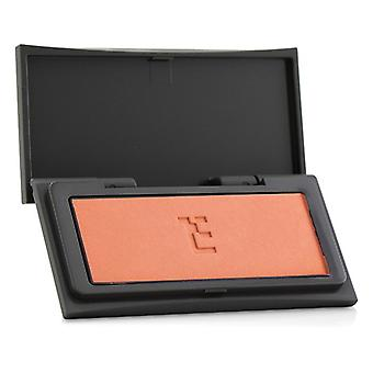 Three Cheeky Chic Blush - # 13 She Comes In Colors (pure Coral) - 4g/0.14oz