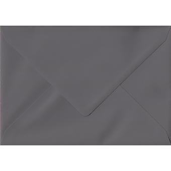 "Mörkgrå gummerat 5 ""x 7"" färgade grå kuvert. 135gsm GF Smith Colorplan papper. 133 mm x 184 mm. bankir stil kuvert."