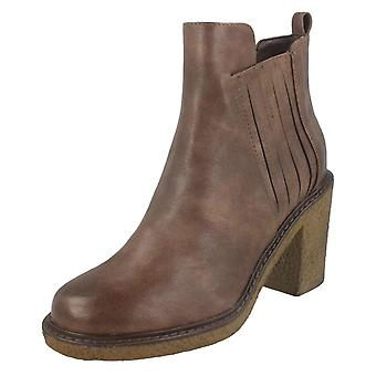 Ladies Down To Earth Ankle Boots F50958