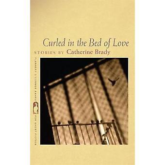 Arricciata nel letto di amore di Brady & Catherine