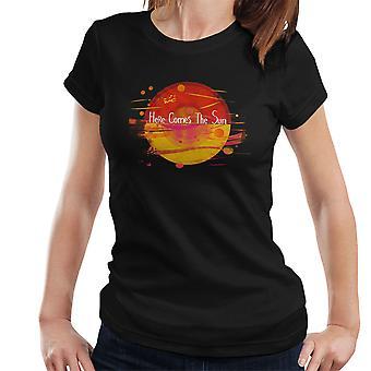 Pokemon Here Comes The Sun Poke Ball Women's T-Shirt
