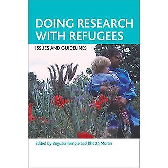 Facendo ricerche con i rifugiati - problemi e linee guida - 9781847429056 B