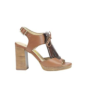 Manas women's MCGLCAT03015E brown leather sandals