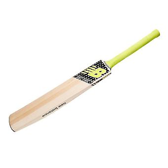 Nuevo equilibrio Dc 380 Junior Cricket Bat