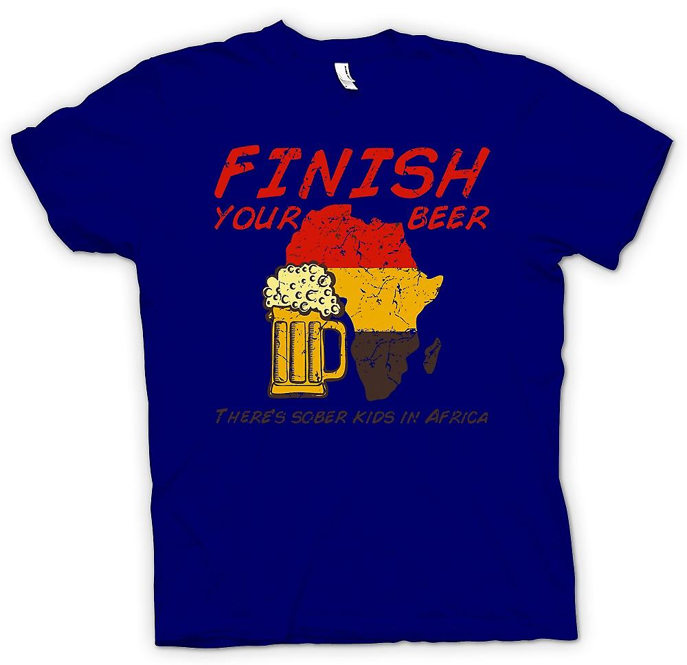 Heren T-shirt - Finish uw bier Theres Sober kinderen In Afrika - grappig