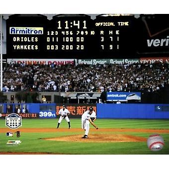 Mariano Rivera Last Pitch at Yankee Stadium 2008 Sports Photo (10 x 8)