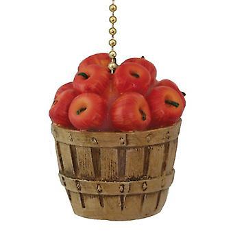 Bushel cesta llena de manzanas rojas, ventilador de techo tire o tire de cadena ligera