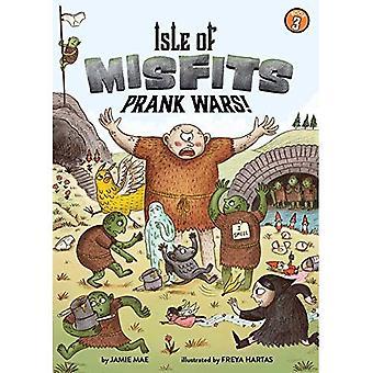 Isle of Misfits 3: Prank Wars! (Isle of Misfits)