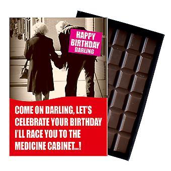 Funny födelsedagspresent till hustru man äldre pensionär boxed choklad gratulationskort present CDL168