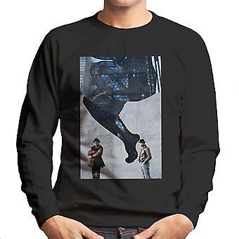 Køre DMC foran kvinde væg vægmaleri mænds Sweatshirt