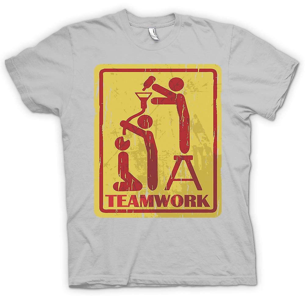 Mens T-shirt - Teamwork - Drinking