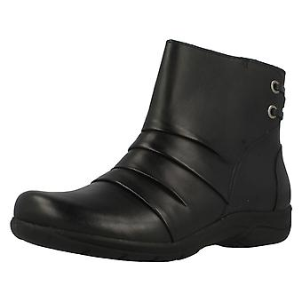 Ladies Clarks Ankle Boots Mells Ruth