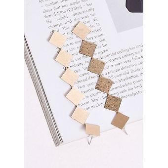Strukturierte quadratische Ohrringe Gold