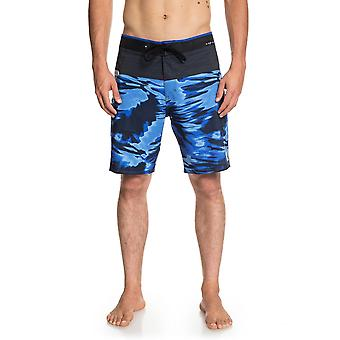 Quiksilver Highline Blackout 19 Mid Length Boardshorts