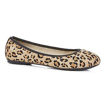 Butterfly Twists Leah - Tan Leopard Pony (Animal Print) Womens Shoes